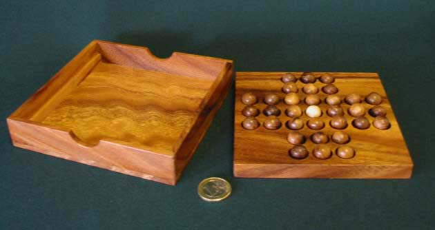 Solitaire square wooden balls
